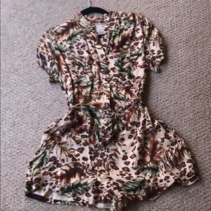 Urban outfitters romper size small